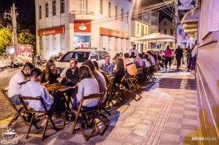 Ambiente Externo / Calçadão Café Luna Park